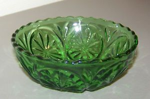 Small Green Glass Bowl or Candy Dish Starburst Depression Anchor Hocking