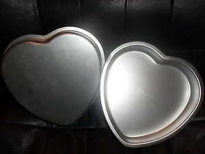 Lot of 2 Wilton Heart Shaped Metal Cake Pan Food Baking Molds