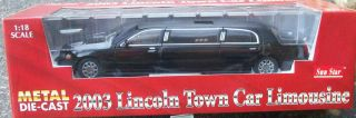Sunstar 1 18 2003 Lincoln Town Car Limousine Black Over One Foot Long