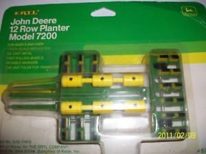 Ertl 1 64 Farm Toy John Deere 7200 12 Row Planter