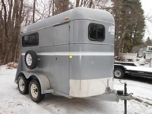 Valley Trailers 10ft Thorobred 2 Horse 2410 Trailer Barn and Ramp Rear Door 2012
