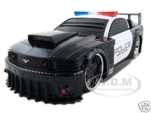 2006 Ford Mustang GT Police Car 1 24 Battle Machines