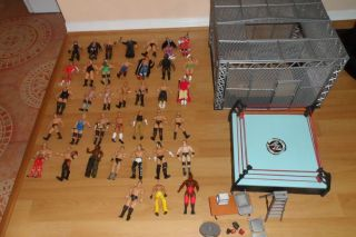 Lot Set WWE Action Figures Cage Ring Accessories