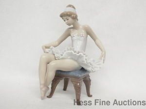 Retired Lladro Spain Pretty Ballerina Hand Painted Porcelain Figurine w Box 5499