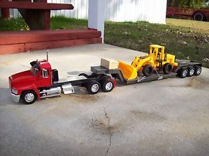 1 32 Scale New Ray Custom Toy Mack Truck Lowboy Trailer with Load