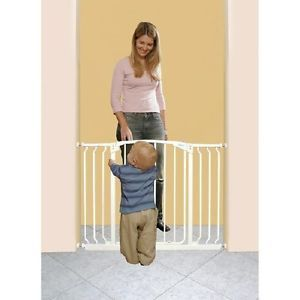 Dream Baby Pet Wide Pressure Safety Gate 9 Feet White