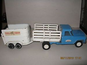 Vintage Tonka Jeep Stake Bed Truck w Horse Trailer