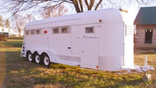 24' Horse Trailer 4 Horse Straight Load Bumper Pull w Tack Area Dressing Room