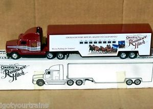 Ertl Country's Reminisce Hitch Tractor Trailer Horse Transporter Truck 12""
