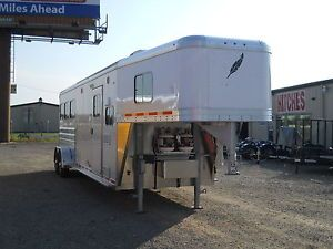 New 2013 FeatherLite 3 Horse Slant with Living Quarters Gooseneck Horse Trailer