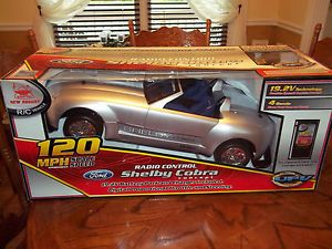New Bright Ford Shelby Cobra RC Radio Control 2 Seater Car 19 2 Battery Pack New