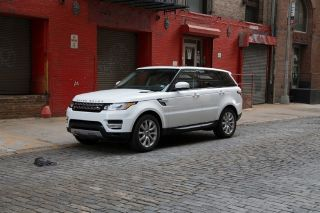 2014 Land Rover Range Rover Sport V8 Supercharged in Fuji White