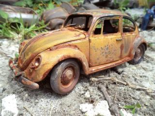 1 18 VW Beetle Bug Unrestored Junker Engine Fire Diorama Junk Yard Grave Yard UT