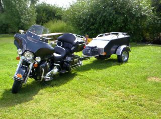 Escape Motorcycle Trailer Touring Cargo Pull Behind Harley Goldwing Spyder Etc