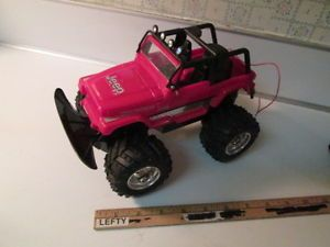 New Bright R C 2008 Red Jeep Wrangler Unlimited 49 MHz with No Remote for Parts