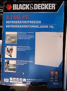 Mini Refrigerator Fridge Dorm Black and Decker 2 7 Cubic Feet