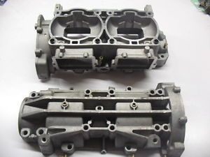 2005 Polaris RMK 900 700 Engine Cases Crank Case Crankcase Snowmobile Fusion IQ