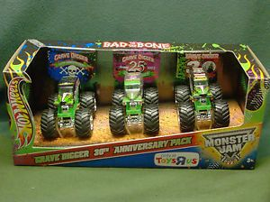 Hot Wheels 30th Anniversary Grave Digger 3 Truck Toys R US Exclusive