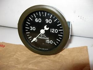 Stewart Warner Oil Pressure Gauge Crescent Needle Curved Glass Never Opened