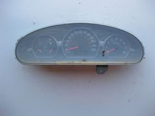 2003 2004 Saturn ion Instrument Cluster Speedometer Gauges