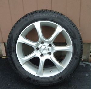 Set of 4 Michelin x Ice Snow Tires Mounted on Rims 225 50 R17 Low Mileage