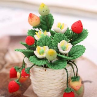 Beautiful Miniature Portable Plant Strawberries Dollhouse Window Table Display
