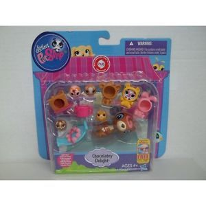 Littlest Pet Shop LPS Friends Mix Match Costumes Chocolatey Delight Otter Cow