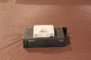 Alpine CD Shuttle CHM S601 with Cartridge Compact Disc Changer