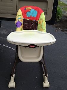 Fisher Price EZ Clean High Chair V9144 Animal Print