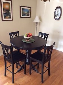 Moving Sale Stunning 5pc Dinning Set Table 4 Counter High Chairs $250 Only