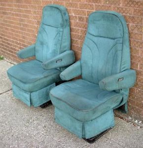 1994 Ford Econoline Coachmen Custom Van Green Cloth Front Seats Captain Chairs