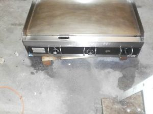 Star 536TG Commercial Grade Electric Grill Griddle 3 Zones 3 Sets Controls WOW