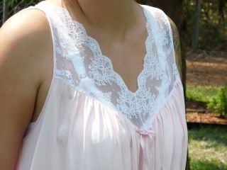 Vtg Long Nightgown Miss Elaine Baby Pink w White Lace Trim Flows Tank Style Sz L