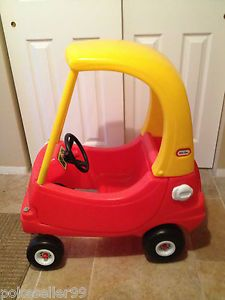 Little Tikes Cozy Coupe Classic Car Kids Ride on Toys Toddler Push Car