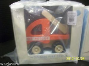 Pottery Barn Kids Wooden Fire Rescue Truck Ladder Christmas Gift Toy Firetruck