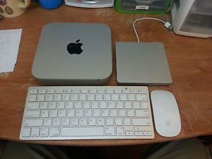 Apple Mac Mini Desktop July 2011 w Bluetooth Keyboard Mouse SuperDrive
