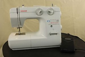 Singer Model 1120 Sewing Machine with Foot Pedal Power Cord and Accessories