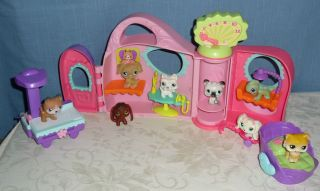 Littlest Pet Shop LPS Pet Care Health Center w 8 Original Pets Retired