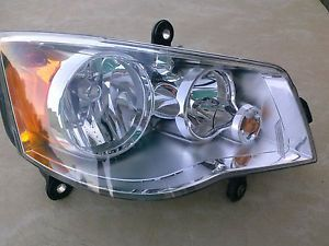 Mopar 5113336AE Dodge Caravan Chrysler Town and Country Headlight Assembly