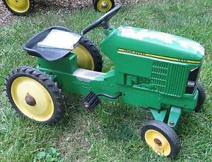 John Deere 7600 Pedal Tractor and New Hubcaps