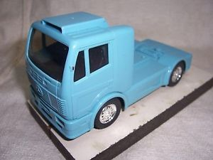 1 32 Scale Mercedes SCX Blue Semi Truck Trailer Slot Car RARE