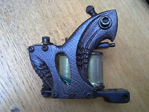 Aaron Cain Handmade Tattoo Machine Custom Carved Damascus with Green Coils