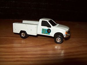 Ertl 1 64 Ford F350 White Service Repair Utility Pickup Truck Farm Tire