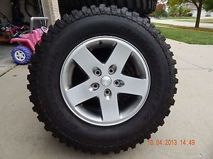 "Jeep Rubicon Factory 17"" Wheels Rims BFGoodrich Mud Terrain T A Tires Set of 5"