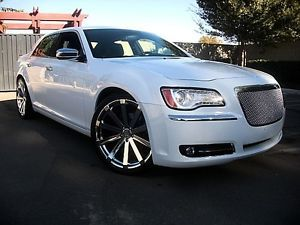 "2013 Chrysler 300C White V8 Hemi Custom Grille 22"" Wheels Tires 13"