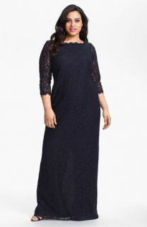 Adrianna Papell Scalloped Lace Gown (Plus Size)