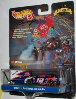 Mattel Hot Wheels Pit Crew Collector Edition 1999 NASCAR Racing Mobil 1 #12 Ford Taurus and Tool Box Penske Kranefuss Racing Toys & Games