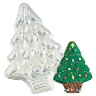 Wilton Cake Pan Treeliteful/Holiday or Christmas Tree (2105 425, 1991) Kitchen & Dining